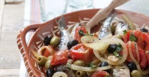 sardinas con tomate y cebolla